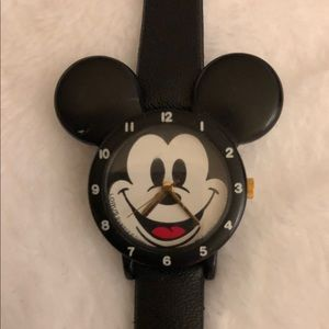 "Mickey Mouse ""Disneyland"" watch $18"